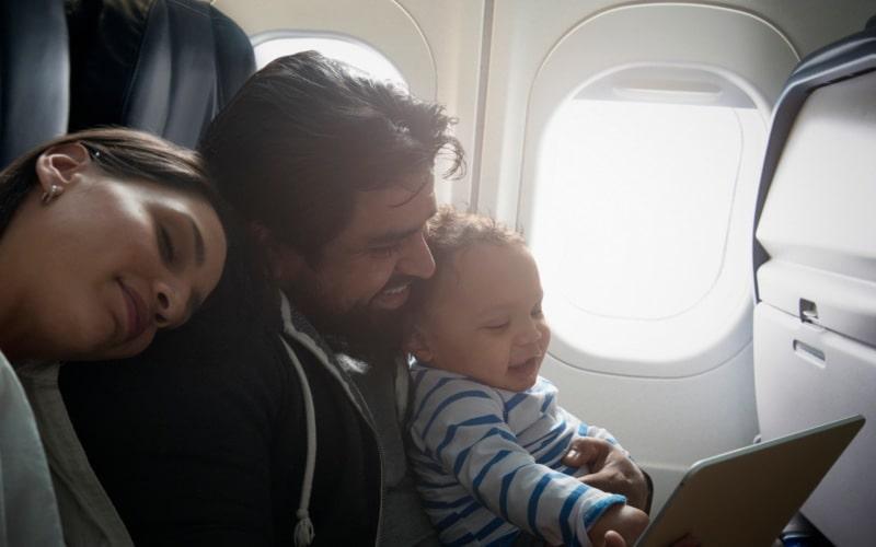 viajando-familia-seguro